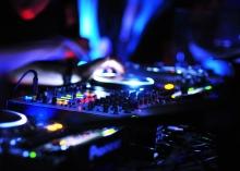 DJ en la Antigua Cigarrería