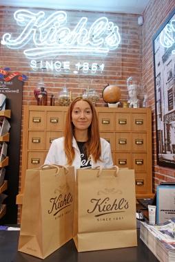 Josune, RSC Kiehl's (Representante de Servicio al Cliente)
