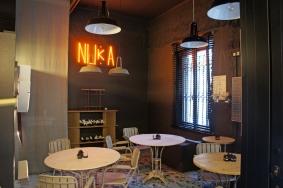Café con velas en Espacio Nuka