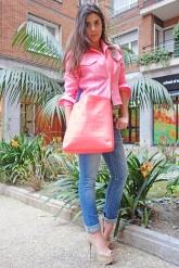 JAS! (chaqueta Irie, camisa Antik Batik, vaquero Missme, calzado Diamond, bolso Marc Jacobs)