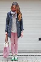 N32 (Parka Woolrich, pantalón Seven, bolso y foulard Becksöndergaard)