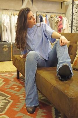 The SIsters (vaquero Mih Jeans, camisa Leon & Harper)